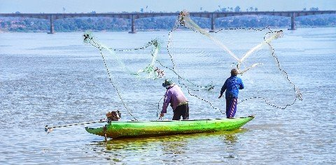 Fishing the Mekong River in Pakse