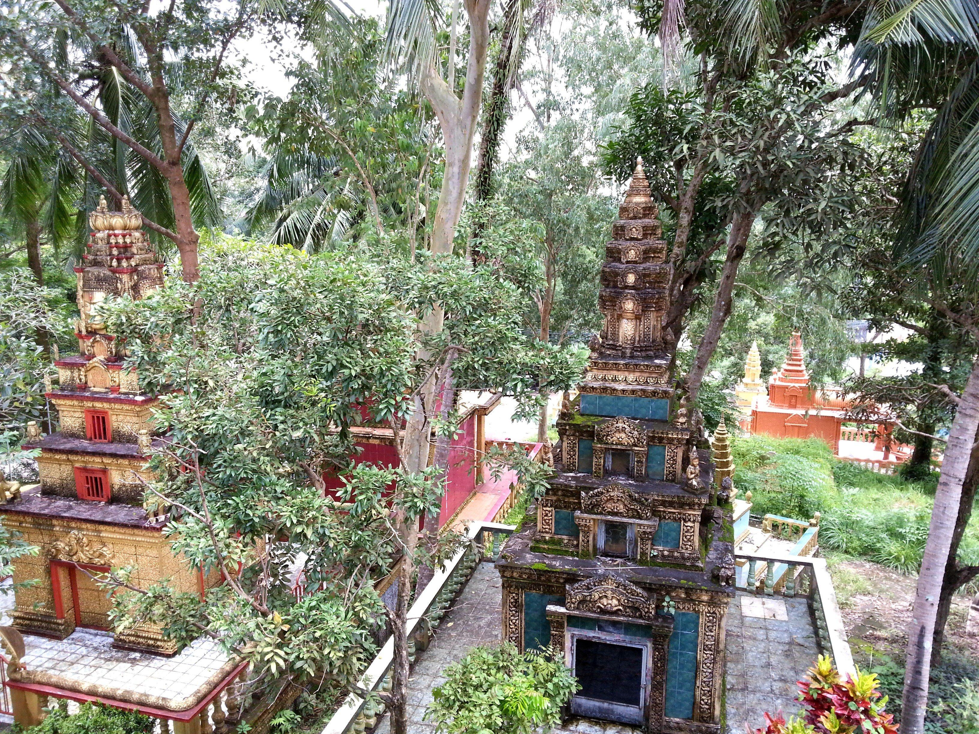 Stupa at Wat Leu
