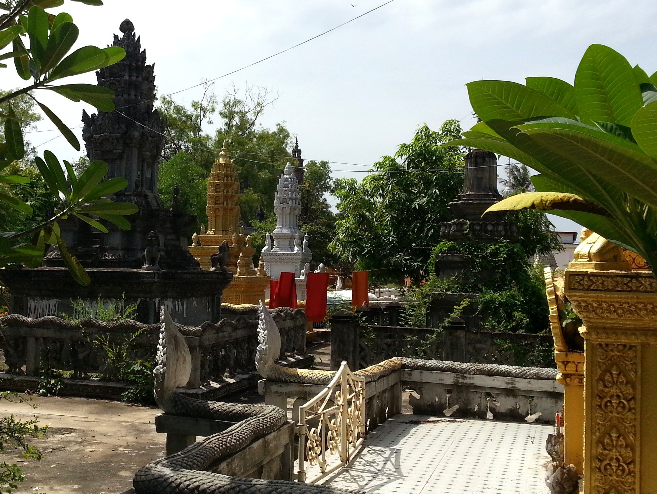 Graves at Wat Kandal