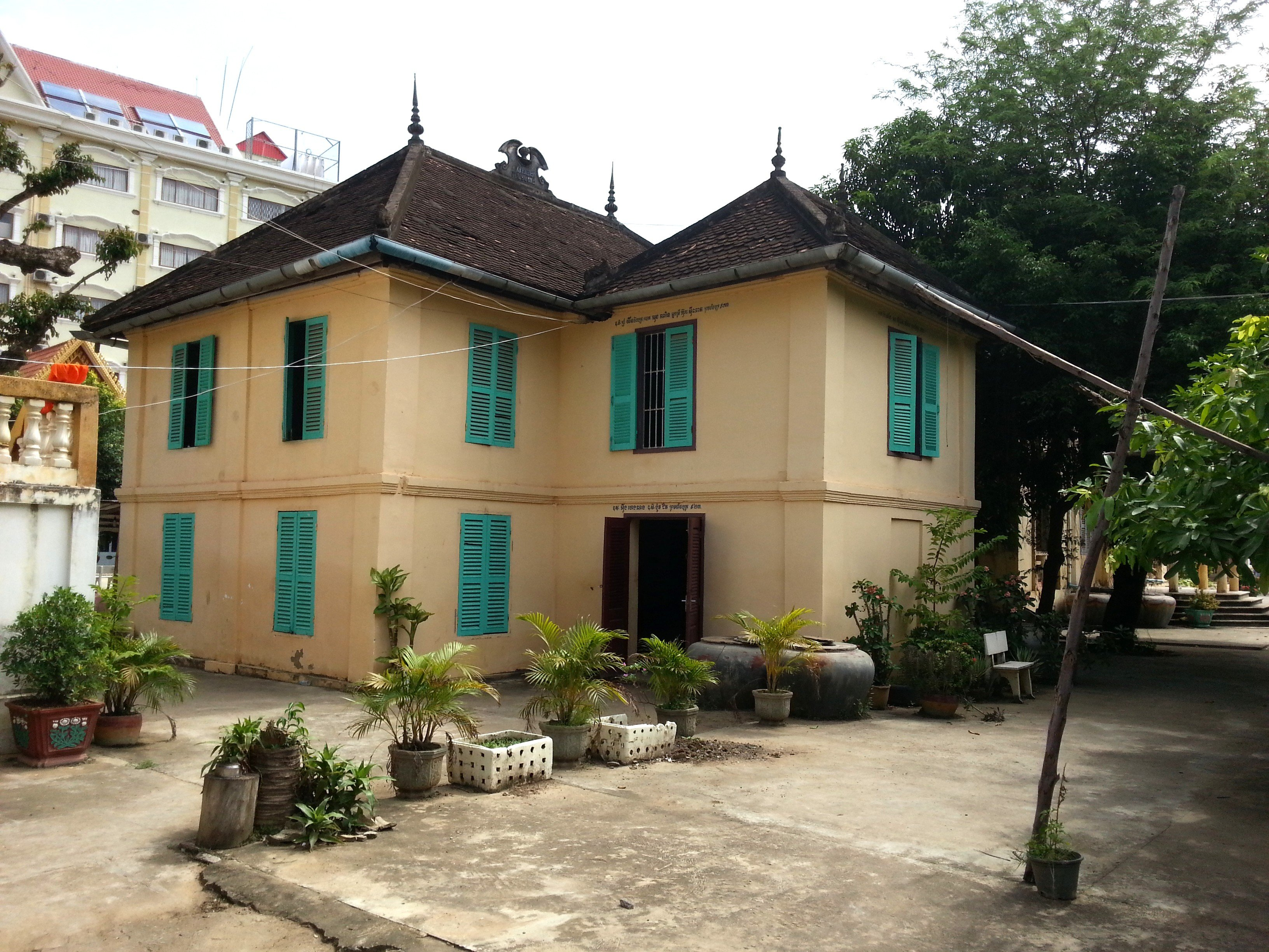 Monk's accommodation at Wat Kandal