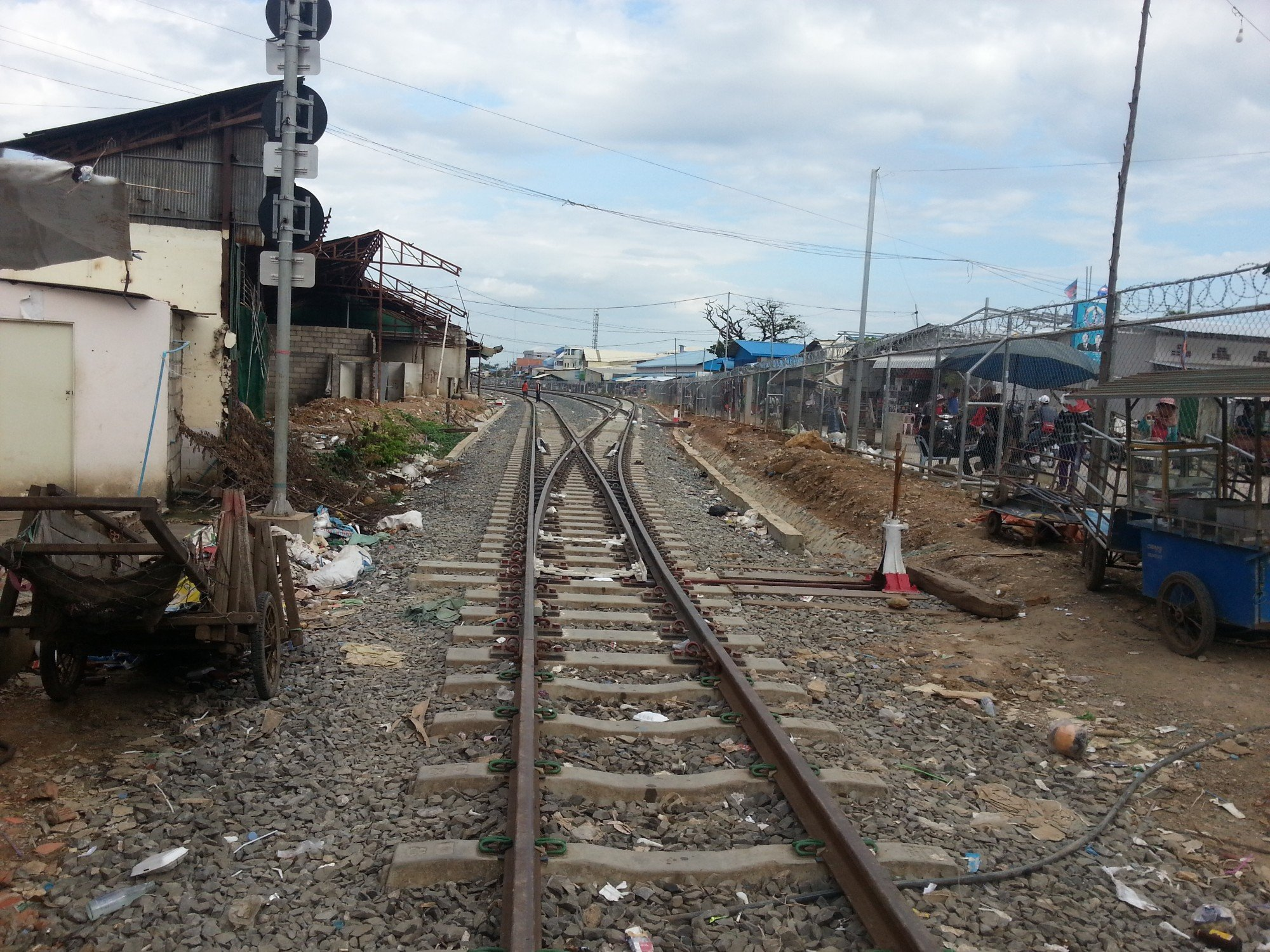 Rail link between Ban Khlong Luek in Thailand and Poipet in Cambodia
