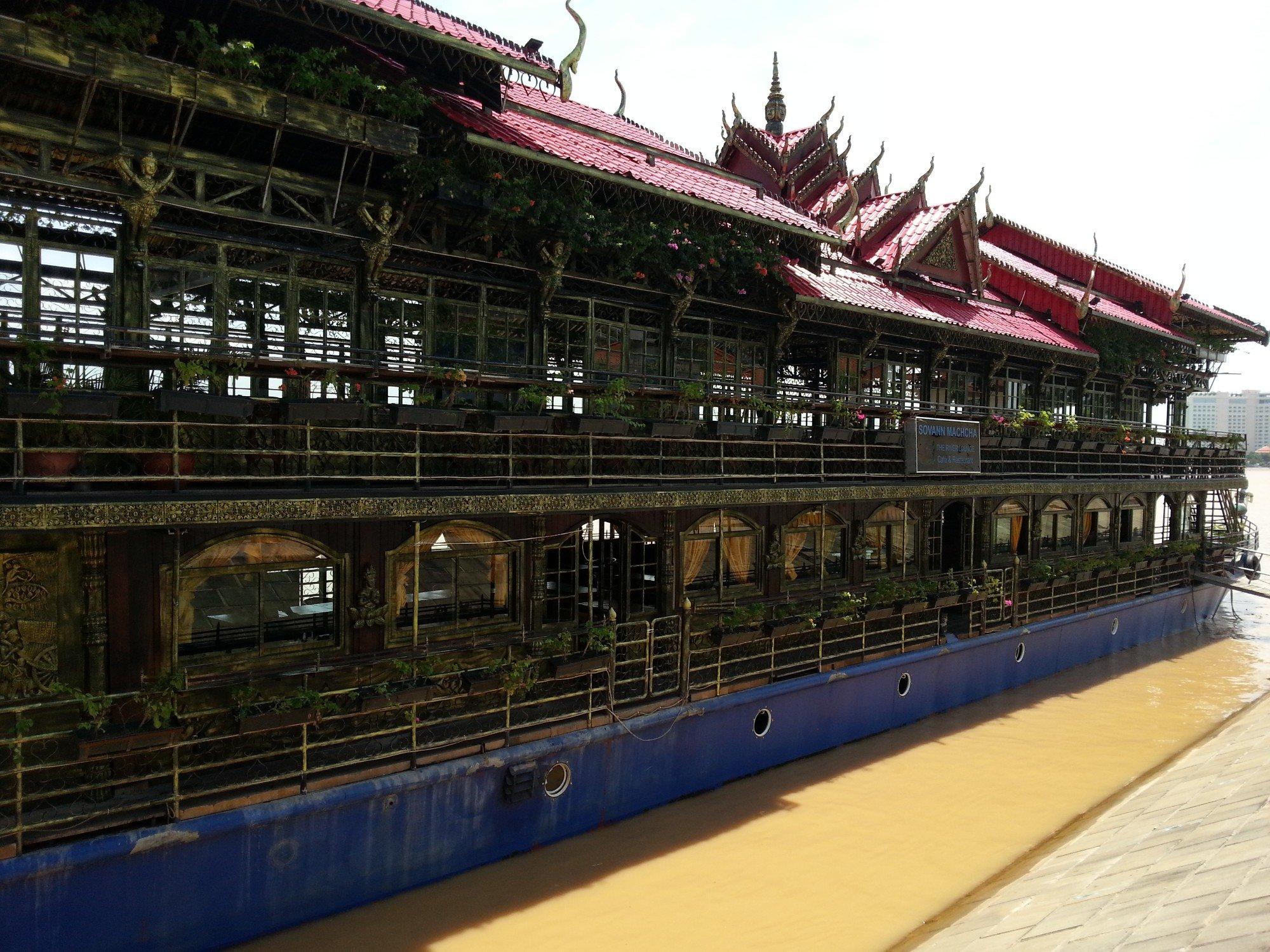 Restaurant cruiser in Phnom Penh